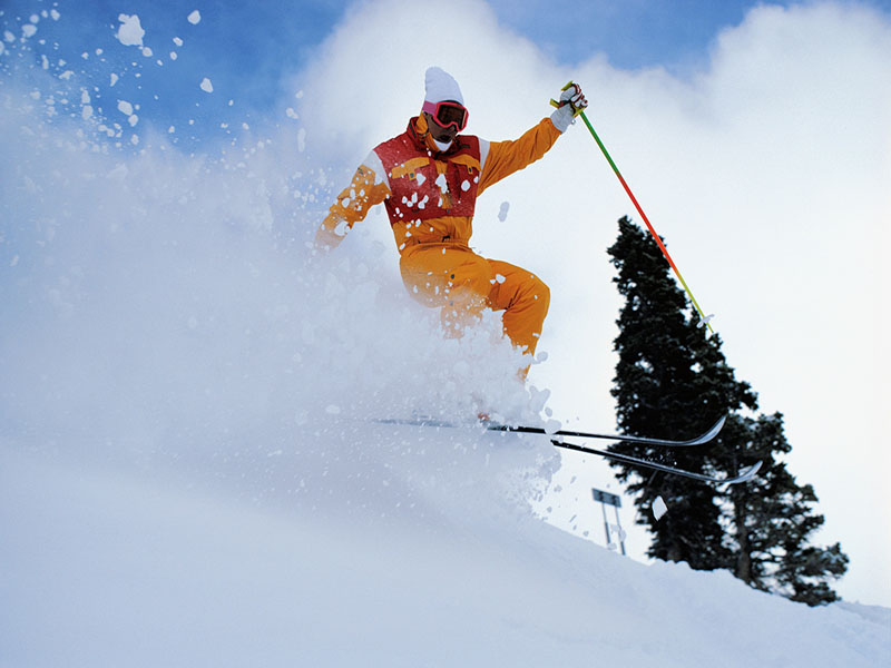 News Picture: Hitting the Slopes? Keep These Safety Tips in Mind