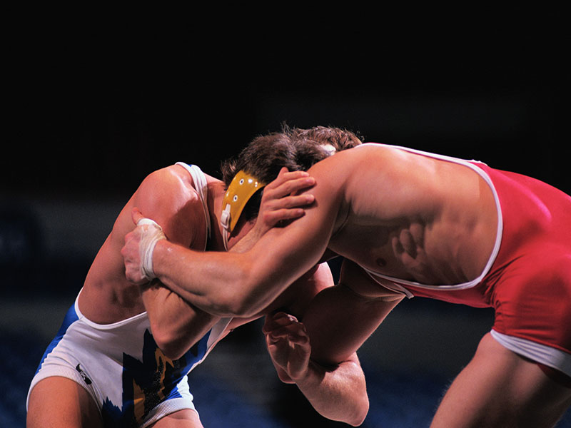 Skin Infections Common in High School Wrestlers, Study Finds