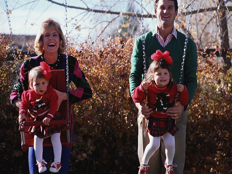 Close Bond Between Kids, Parents Has Long-Term Health Benefits