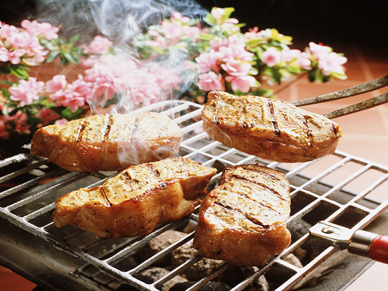 News Picture: Could Grilled, Smoked Meats Lower Survival After Breast Cancer?