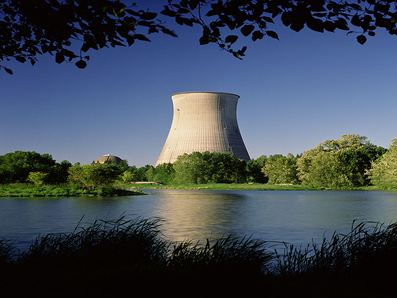 Study Implicates Nuclear Plants in Workers' Cancer Deaths