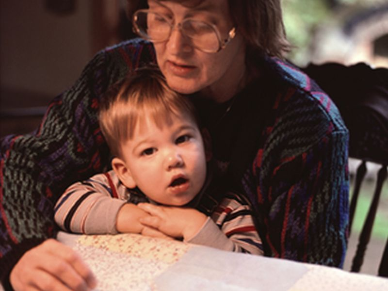 Kids of Youngest, Oldest Moms at Risk of Developmental Issues: Study