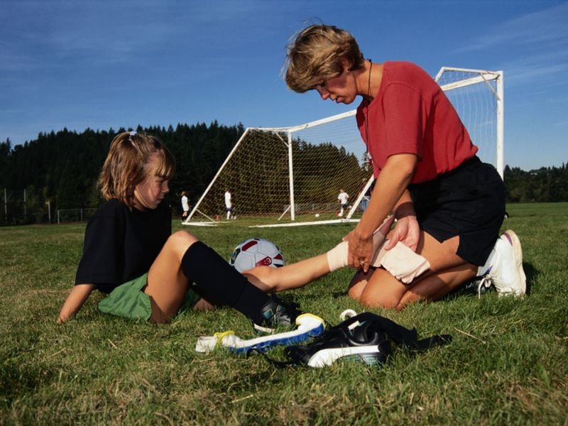 Pediatricians Offer Heads-Up for Preventing Soccer Injuries