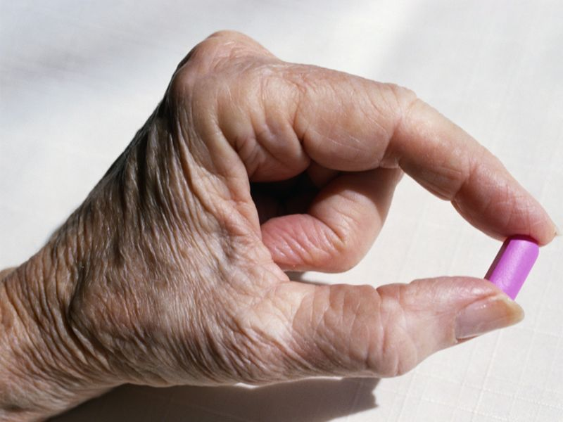 Many Seniors Given Antipsychotic Meds, Despite Potential Problems