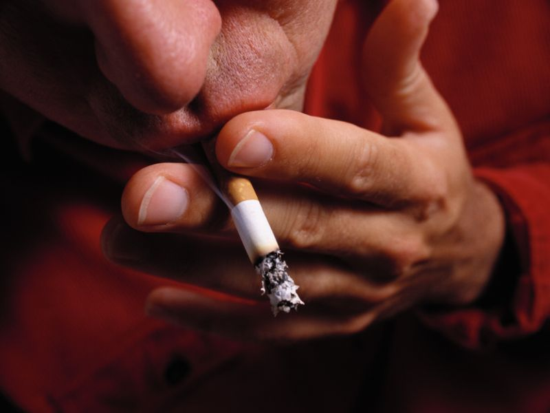 Even After Stroke, Many Smokers Still Light Up