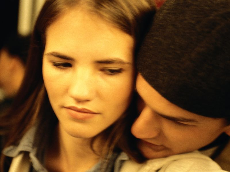 Teens More Cautious About Sex When Parents Set Rules, Study Finds