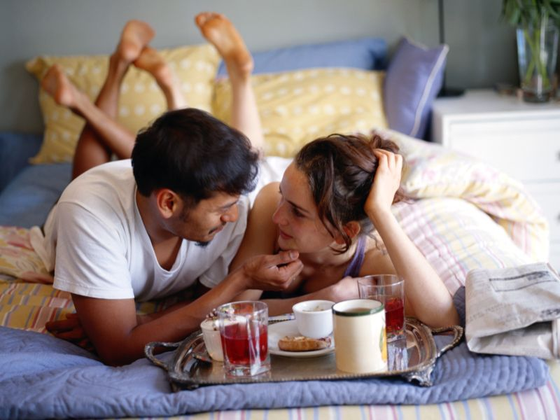 Living Together, Marriage Give Equal Boost to Women's Mental Health: Study