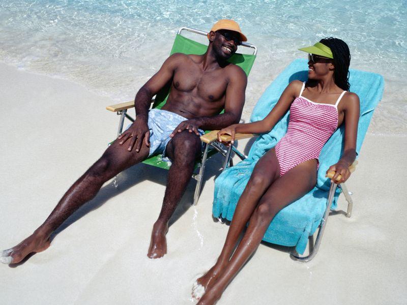 Ziņu attēls: Tumša āda nav aizsargāta pret saules kaitīgajiem stariem