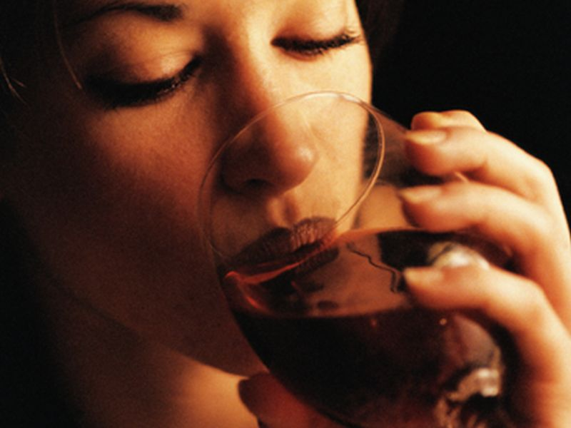 Women Starting to Match Men's Drinking Habits, Study Finds