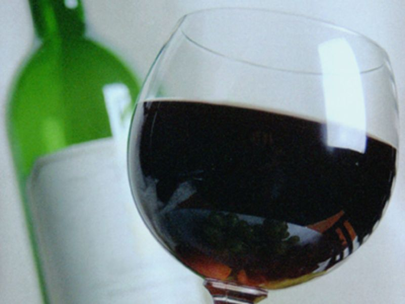 Daily Glass of Wine May Boost Type 2 Diabetics' Heart Health