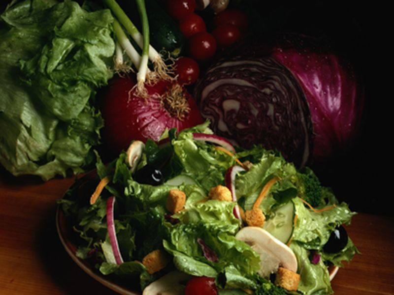 4 Ways to Jazz Up Your Salad