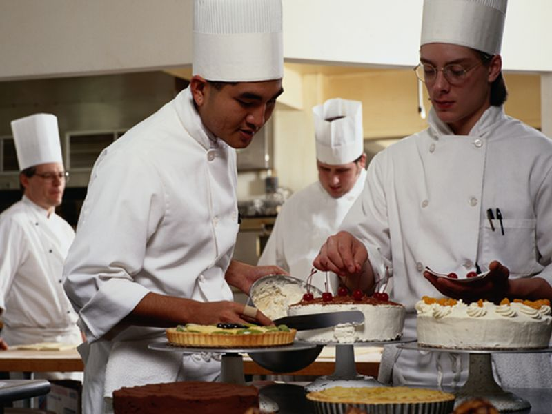 News Picture: Food Safety Not Always on Menu of TV Cooking Shows