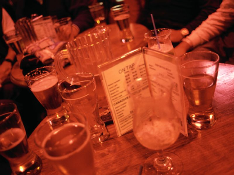 Chronic Drinking Plus Binge Drinking Spurs Rapid Liver Damage in Mouse Study