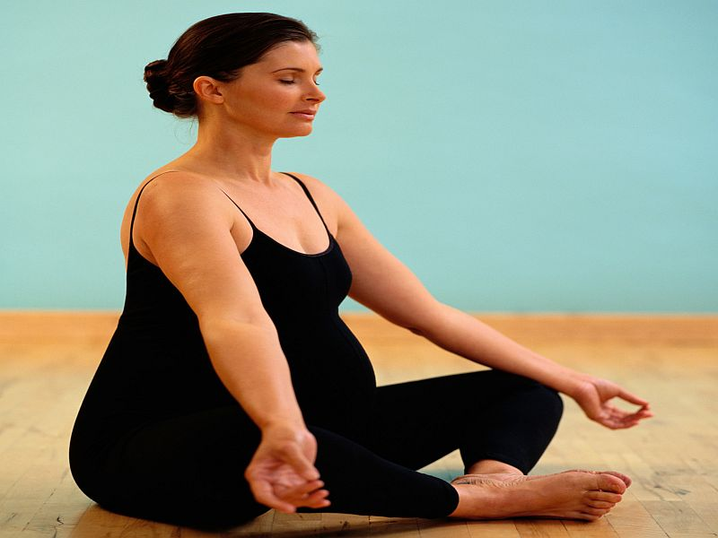 Gentle Yoga Safe in Late Pregnancy, Small Study Suggests