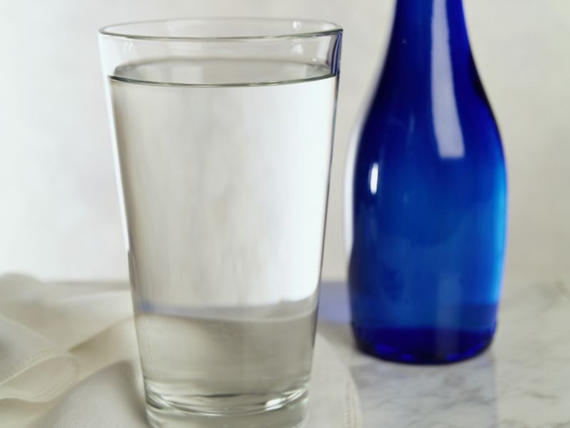 Switching Diet Drinks for Water Benefits Overweight Women