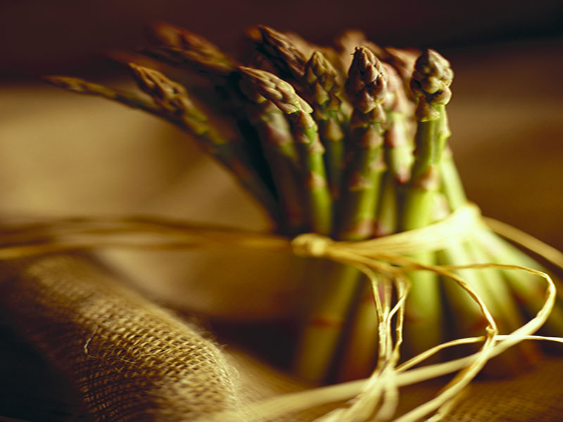 Asparagus: A Tasty Spring Veggie That Boosts Gut Health