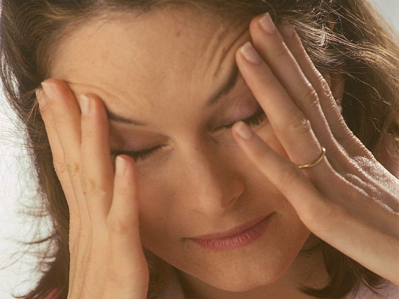News Picture: Can You Blame Your Headaches on Your Thyroid?