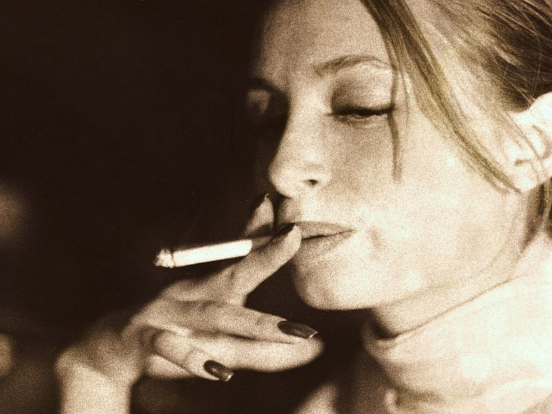 News Picture: Smokers May Be Prone to Risks From Breast Cancer Radiation Therapy