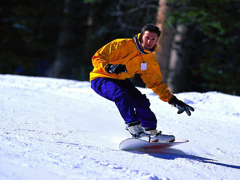 News Picture: Navigating Ski Slopes Safely