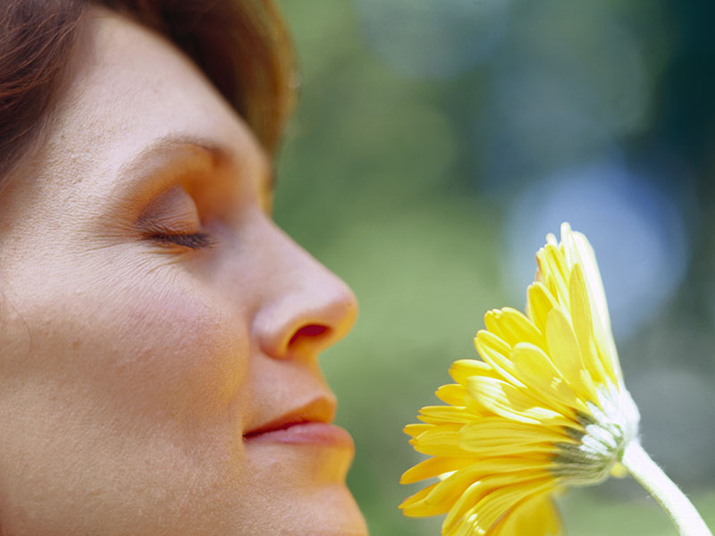 Failing Sense of Smell Might Be Alzheimer's Warning
