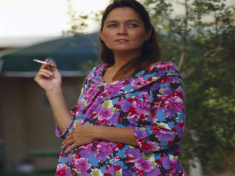 Many U.S. Women Still Smoke Before, During Pregnancy: Report