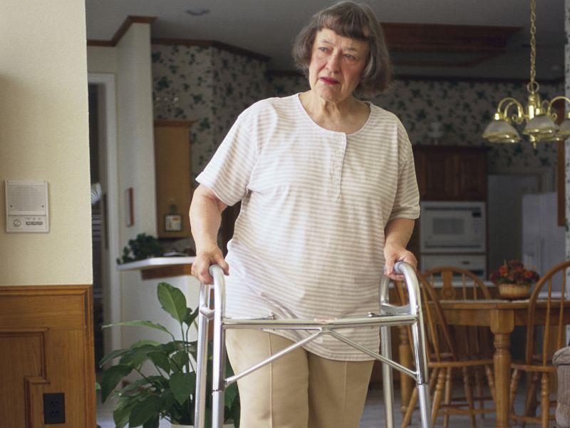 Estar sentados podría plantear un gran riesgo de salud para las personas frágiles