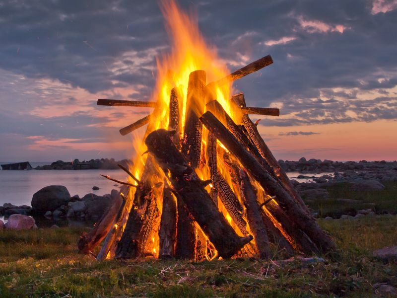 News Picture: Celebrating With a Bonfire? An Expert's Guide to Keeping The Fun Safe