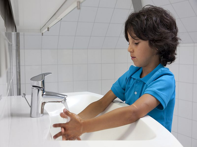 News Picture: Parents, Arm Your Kids Against COVID-19 With Good Hand-Washing Habits