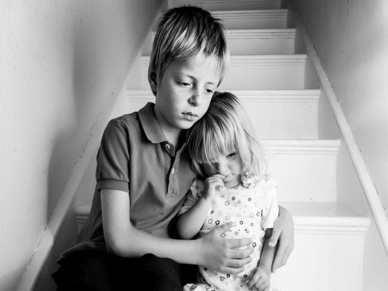Cuando un hermano muere, los niños se enfrentan a sus propios riesgos de fallecer