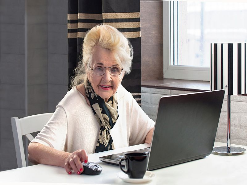 Many Older Adults Can`t Connect With Telehealth: Study
