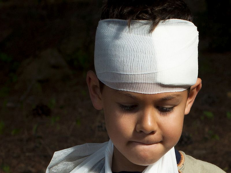 Money, Language Barriers Can Affect Kids' Brain Injury Care