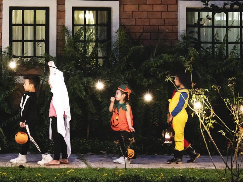 News Picture: Kids' Pedestrian Death Rate Rises on Halloween: Study