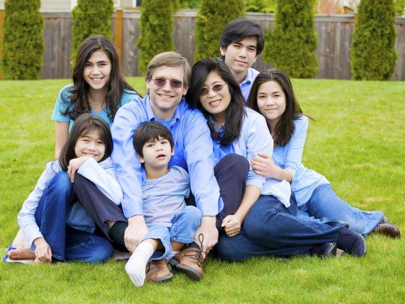 News Picture: Bigger Family, Lower Cancer Risk?