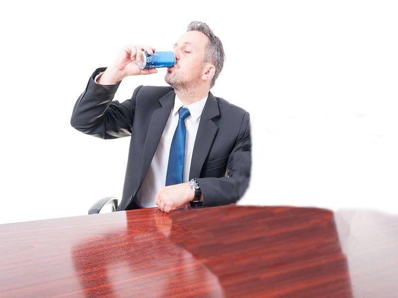 Las bebidas energéticas podrían darle al corazón un sobresalto malsano