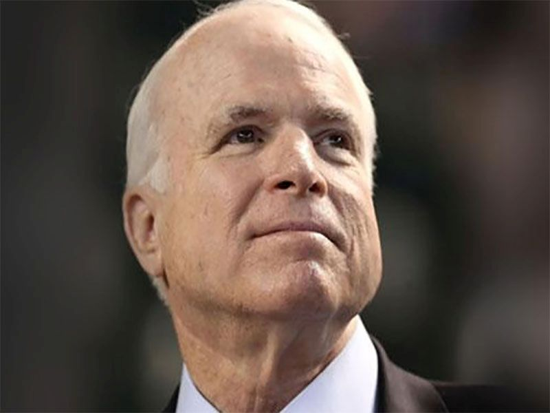 El Senador McCain se enfrenta a un peligroso enemigo: el cáncer