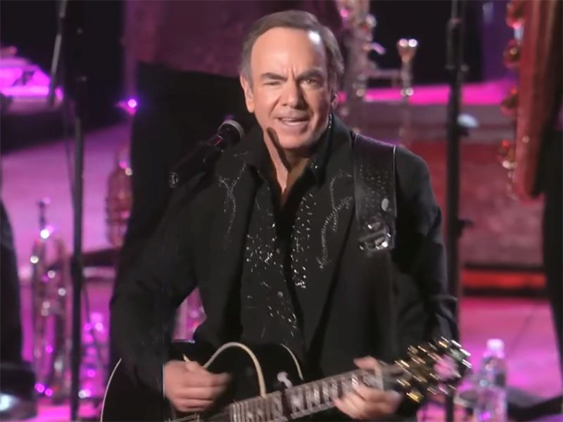 News Picture: Neil Diamond Reveals Parkinson's Diagnosis