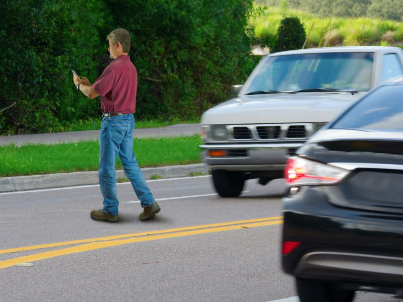 Cellphone Use Puts Pedestrians Off-Balance