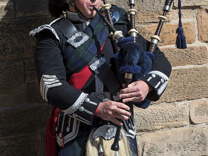 News Picture: 'Bagpipe' Lung Infection Kills Piper