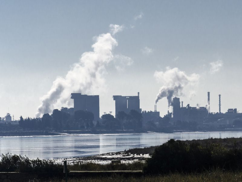 News Picture: 4 in 10 Americans Still Breathe Dirty Air