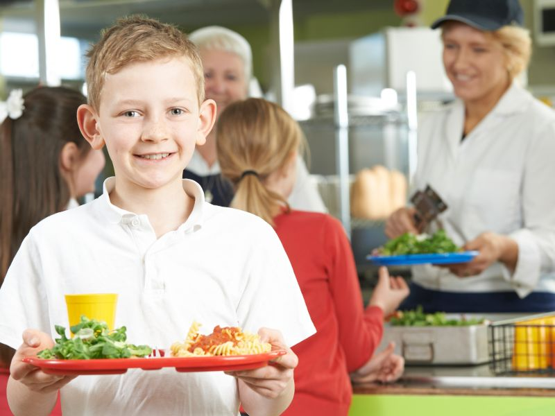 Healthier School Meal Programs Helped Poorer Kids Beat Obesity: Study