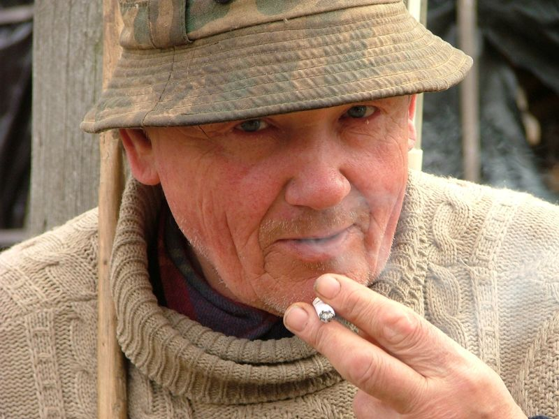 News Picture: Smoking Linked to Frailty in Seniors