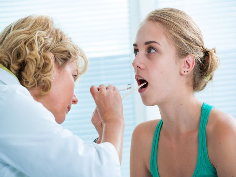 News Picture: Is It Wise to Take a Steroid for a Sore Throat?