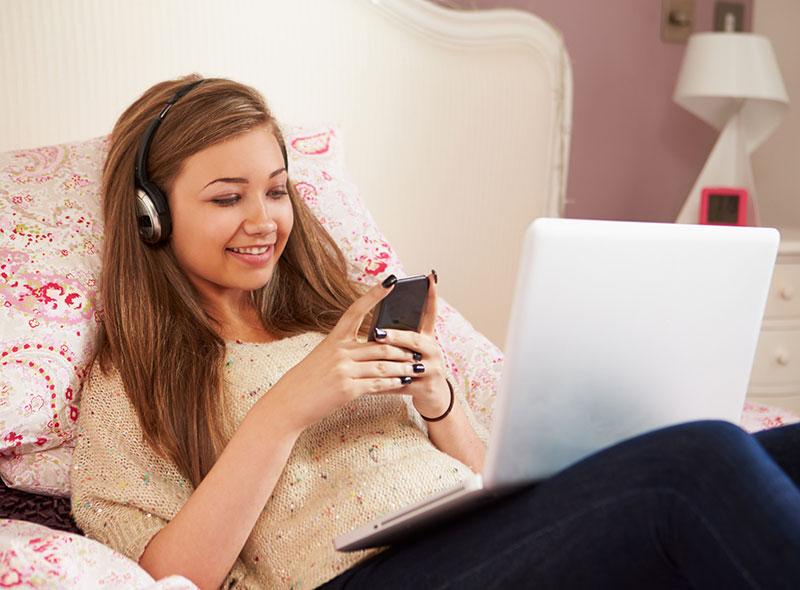 Smartphones, Tablets Sabotaging Teens' Sleep