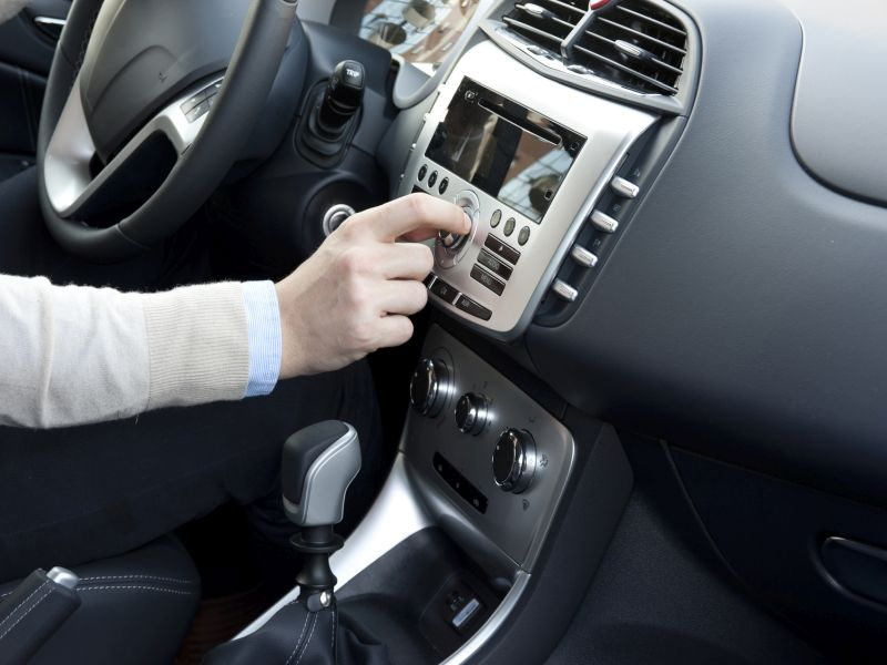 News Picture: For Drivers, Hands-free Can Still Be a Handful
