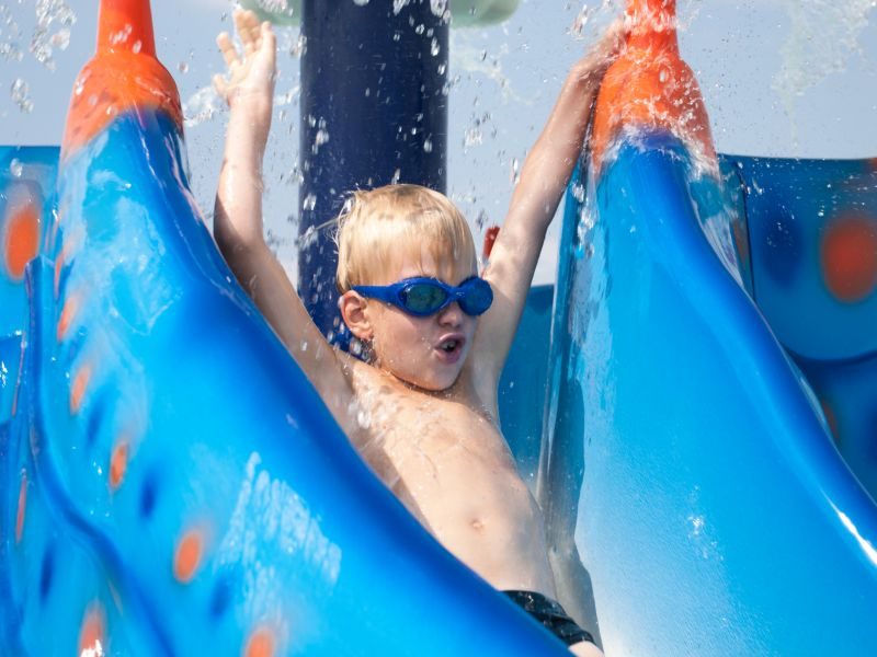 News Picture: Chlorine + Pee = Breathing Trouble for Waterpark Workers