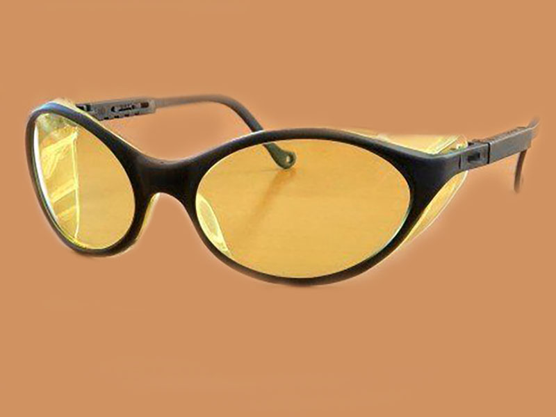 Amber Tinted Glasses Might Get You More Sleep